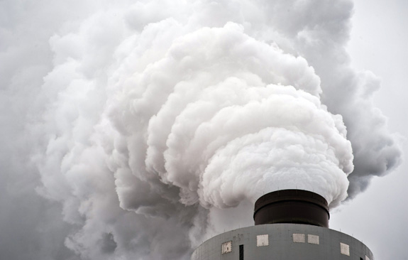 A new study adds to evidence linking autism risk and prenatal exposure to air pollution. (Andre Chung/TNS)